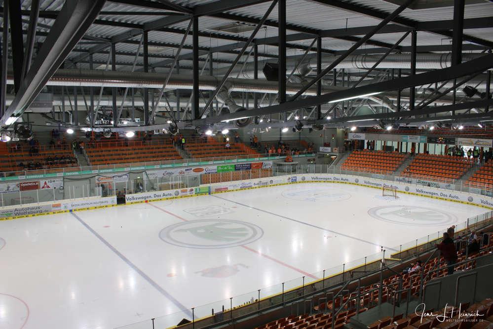 EHC GRIZZLYS WOLFSBURG - Eisfläche des Stadions