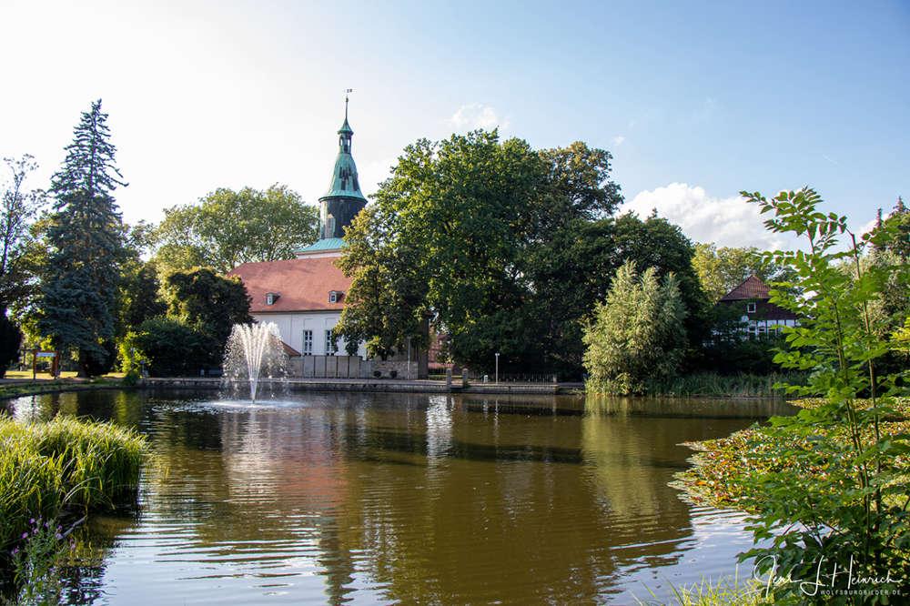 Schlossteich des Schloss Fallersleben