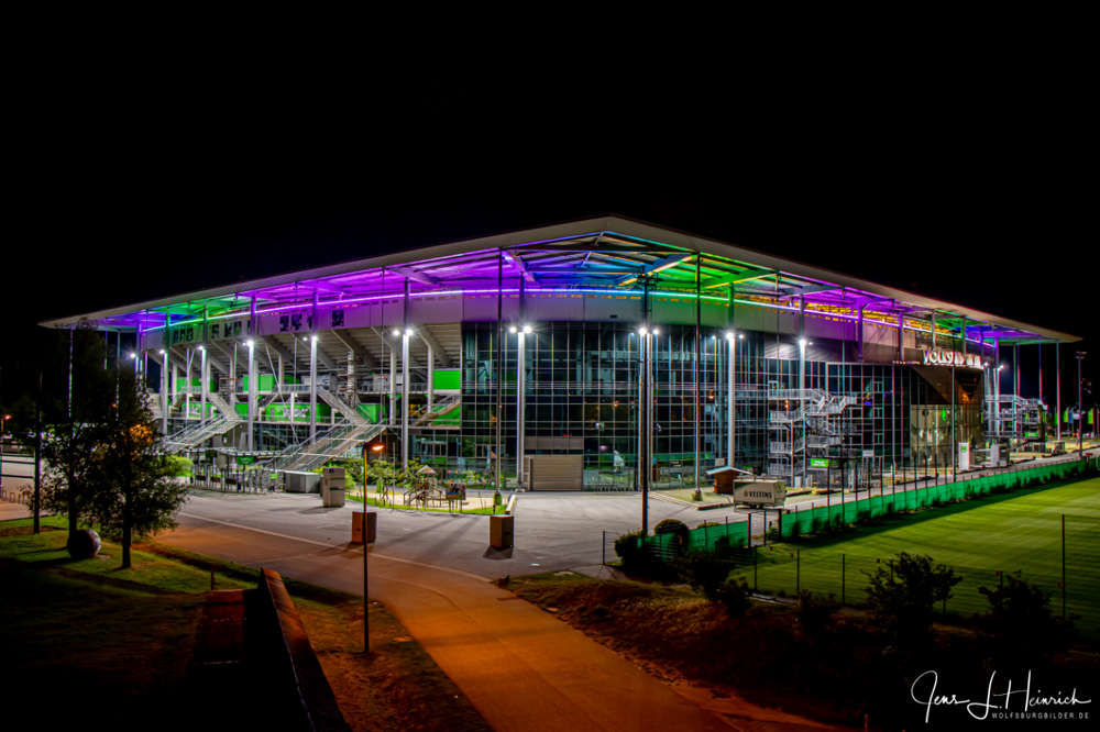 Die Volkswagen Arena - VFL Wolfsburg - Fussballstadion